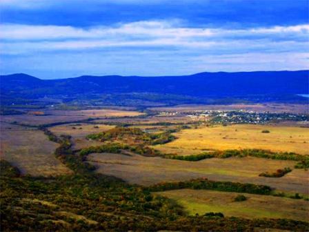 участок в сельской местности или поселке